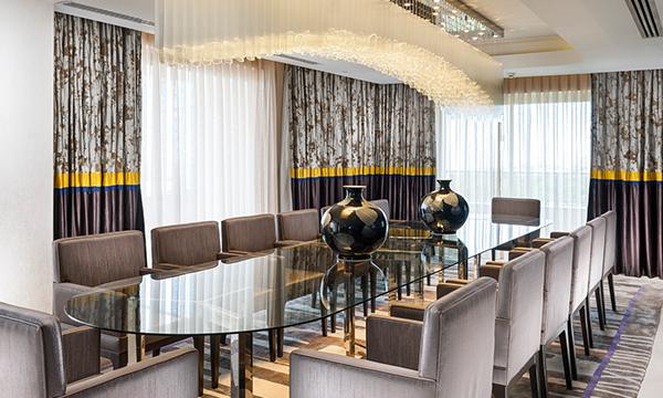 Royal Premium Suite